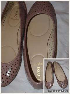 Enzo Size 9 Ladies Slip On Shoes