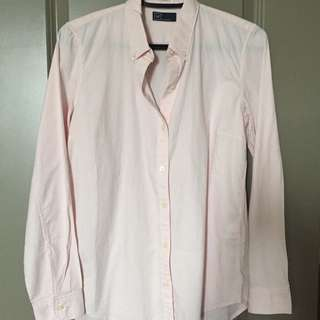GAP pale pink button up top