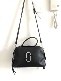 Second hand 100% genuine leather hand bag