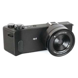 SIGMA DP2 Quattro Compact Mirrorless AIO with lens 30mm f2.8 ( APS-C equivalent to 45mm )