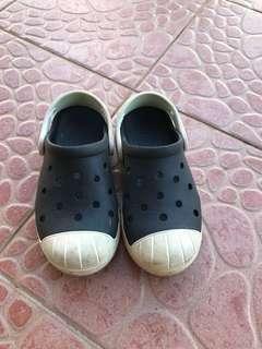 Boy crocs