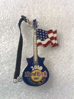 Hard Rock Cafe Pins - WASHINGTON DC HOT 2010 VERTICAL FLAG GUITAR WITH STRAP!