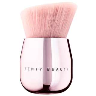 Fenty Beauty by RIHANNA Face & Body Kabuki Brush 160