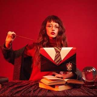 [PO] Gryffindor Uniform Clutch - Danielle Nicole