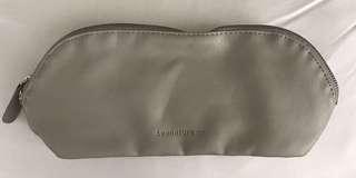 李英愛品牌Lyanature co. 化妝袋(全新未用過)