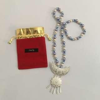Dtv - blue sky necklace 1