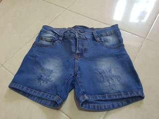 Celana pendek /hot pants