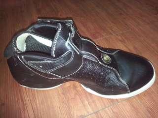 ADIDAS男款鞋