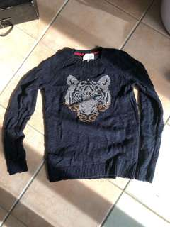 Navy knitted jumper with Tiger