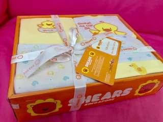 BNIB Baby clothes gift set