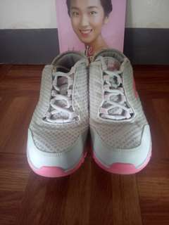 ERKE running shoes (Pre-loved)
