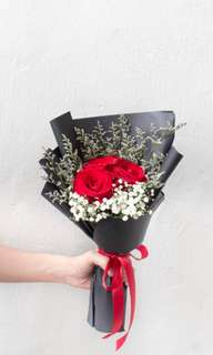 Mothers' Day Rose and Baby Breath Bouquet [FREE DELIVERY]