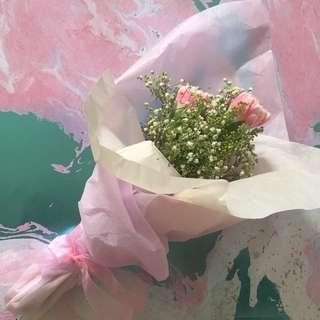 Carnation bouquet (3 carnations)