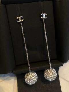 Chanel 2018新款閃閃波波球耳環