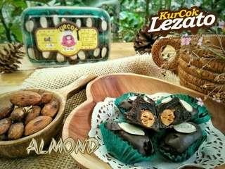 Kurma Coklat Almond