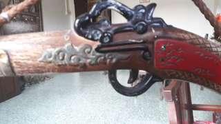 antique fintlock pistol display set /