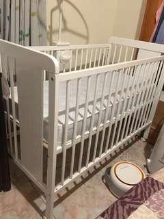Babymobel嬰兒床 近全新 贈床包18件組 非吊掛式蚊帳