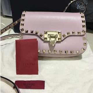 Valentino Rockstud cross body bag (color: light pink)