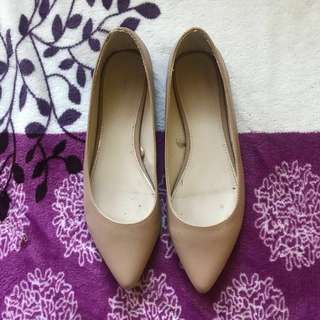 Forever 21 Nude Pointed Flats