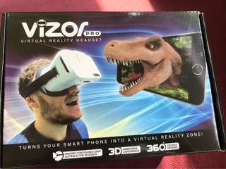 Vizor Pro Virtual Reality Headset with Game Controller