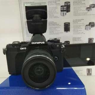 Olympus OMD E-M5 II Cukup DP Cicilan Tanpa Kartu Kredit
