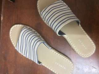 Vincci Sandals Size 39