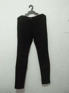 (REPRICED!)high waist black tattered jeans