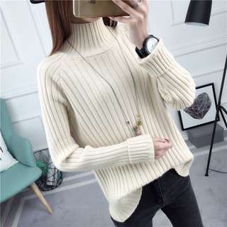 Turtleneck sweater beige