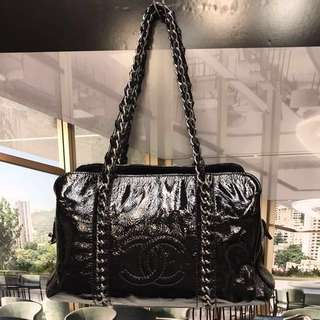 🈹Chanel Patent Leather Handbag