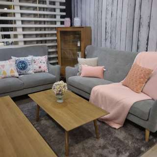 credit sofa minimalis