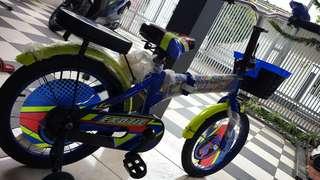 Sepeda lipat anak like new...