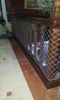Jaring pengaman tangga rumah