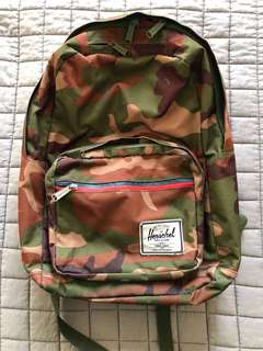 Herschel Backpack in Camo