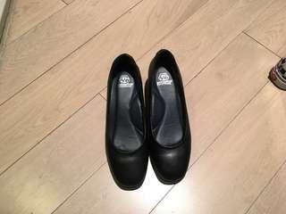 98% New! Women uniform heels(crew/nurse/reception)
