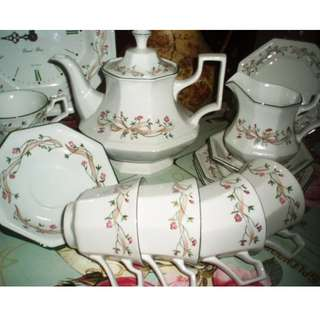 JOHNSON BROTHERS TEASET
