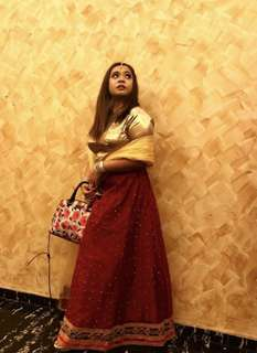 One set gold and red lahenga with shawl