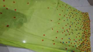 Kerudung pasmina motif warna hijau stabilo