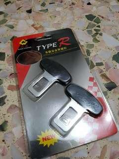 Car seat belt insertion