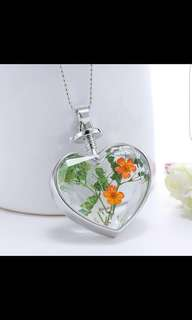 Brand New Heart Shaped Dried Flowers Necklace Pendant In Orange