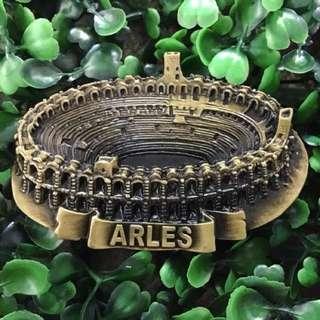 Arles France souvenir ref magnet