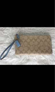 COACH DOUBLE ZIP WRISTLET BLUE