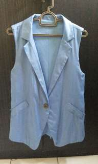 Sleeveless outer blue