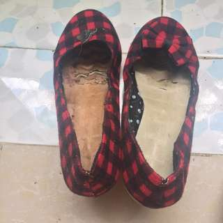 Checkered sandals