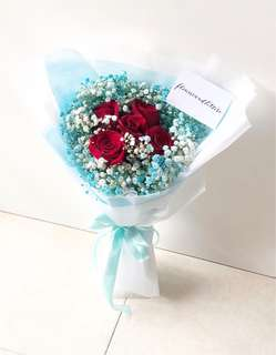 Fresh Flower Bouquet five stalks of red roses with mixed white and blue baby's breath bouquet hand bouquet