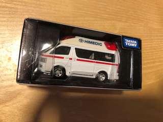 Tomy TOmica TL Hiace 救急車