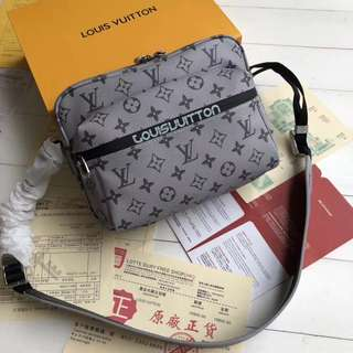 Louis Vuitton Messenger