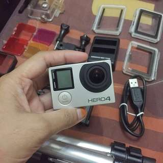 GoPro Hero4 + 21 accessories
