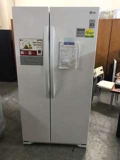 Like new LG 528l side by side fridge / refrigerator