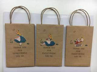 Disney Alice in the wonderland 小紙袋