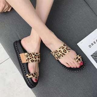STYLE thick slippers